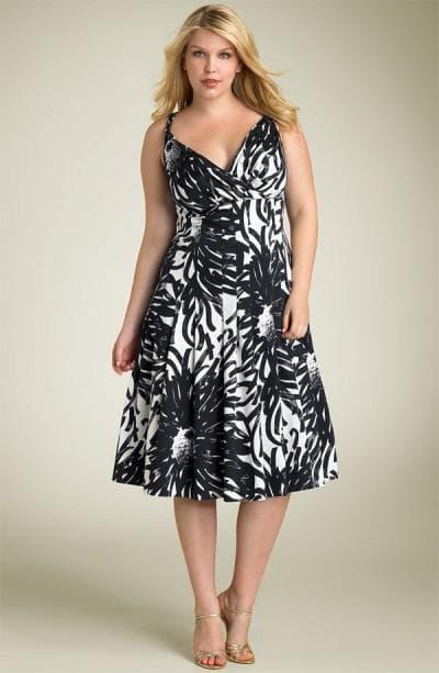 летнее платье для полных взрослых женщин с приталенной талией