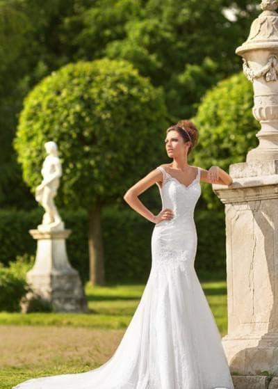 свадебного платья рыбка со шлейфом от Chiedo Bianco