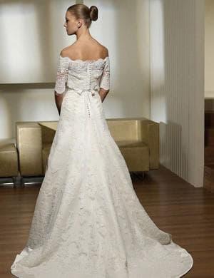 свадебное платье треугольной формы