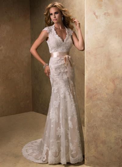 свадебные платья с кружевным верхом вокруг шеи