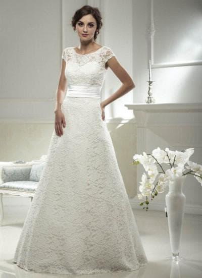 свадебное платье А силуэт с кружевами сверху