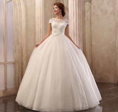 пышное свадебное платье с кружевами сверху