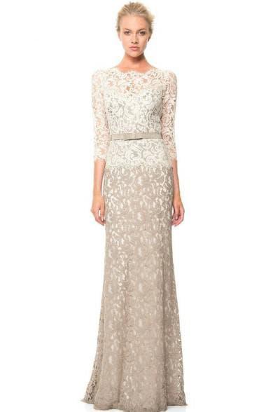 прямое свадебное платье с рукавом в ¾ с кружевом сверху