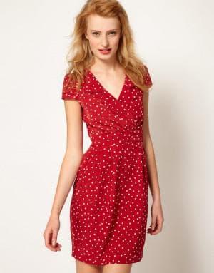 красное платье в мелкий белый горох для стройных