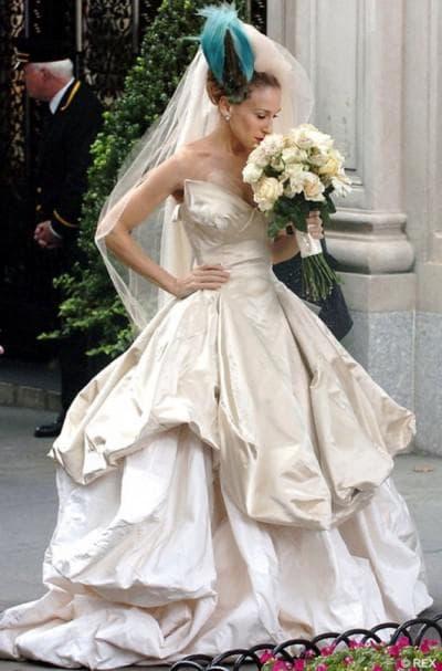 платье Сары Джессики Паркер с несколькими юбками разной длины