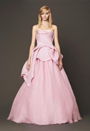 свадебное платье цвета розовое мороженное от Вера Вонг Nara