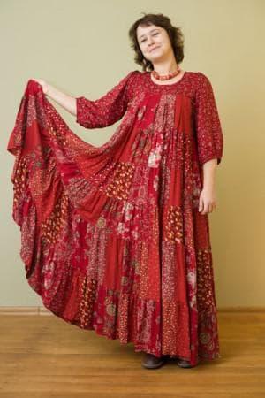 нарядное многоярусное платье из штапеля для полных