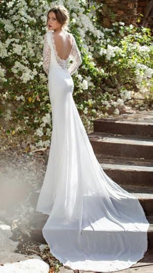 свадебное платье с вырезом на спине от Julie Vino