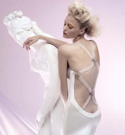 свадебное платье с вырезом на спине от Chiarade
