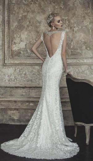 свадебное платье с вырезом на спине от La Sposa