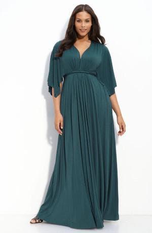 длинное нарядное платье с акцентом на груди полных женщин