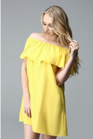 свободное платье с воланами на плечах