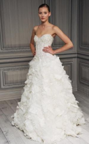 пышное свадебное платье с кружевами от Monique Lhuillier