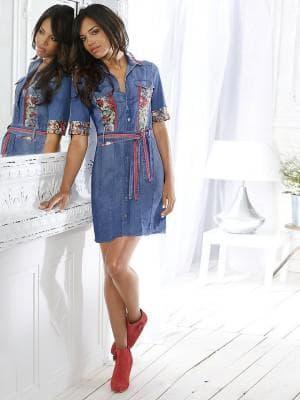 джинсовые платья-рубашки с декоративными вставками