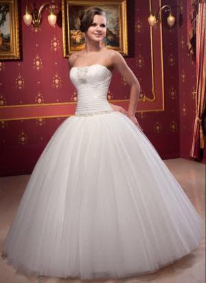 очень пышные свадебное платье с заниженной талией