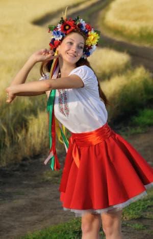короткое платье солнышко в народном стиле