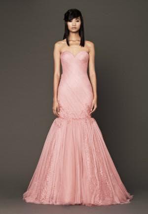 свадебное платье цвета розовое мороженное от Вера Вонг Nira