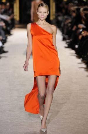 выпускное асимметричное платье от Chanel