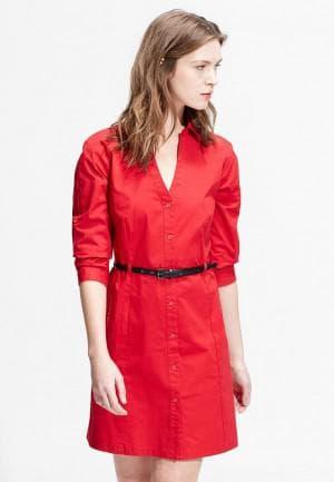красное платье рубашка и ремень
