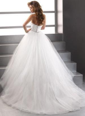 пышное свадебное платье с открытой спиной