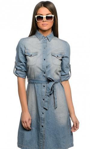 джинсовое платье на пуговицах спереди