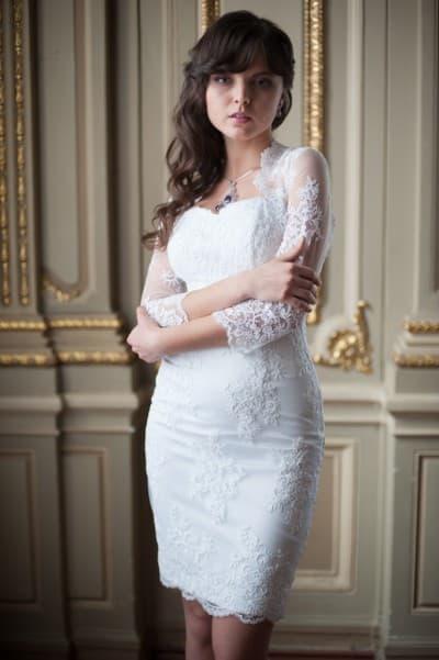 короткое свадебное кружевное платье как коктельное