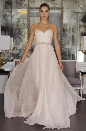 свадебное платье цвета айвори от Romona Keveza