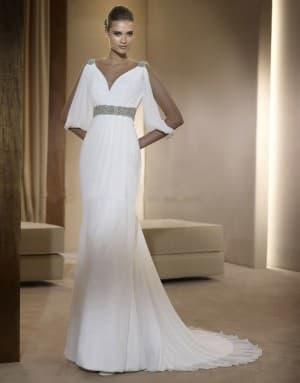 белое платье в греческом стиле от Pronovias