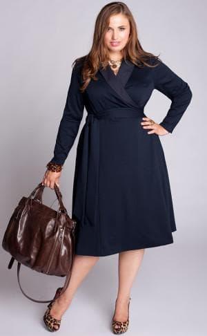 офисное платье с запахом для полных