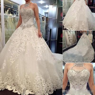 пышное свадебное платье с кружевами и стразами