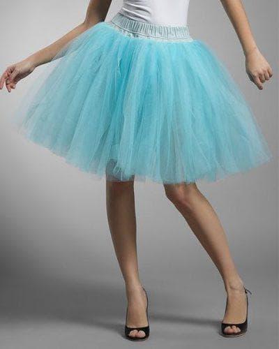 платье из фатина средней длины