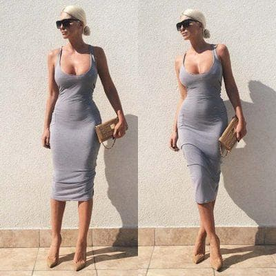 Длинное приталенное платье в пол для девушек с широкими бёдрами