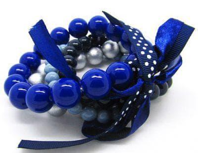 браслет к синему платью