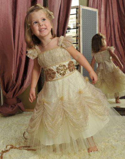 золотое платье принцессы с пайетками