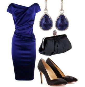 бижутерия под темно синее платье фото