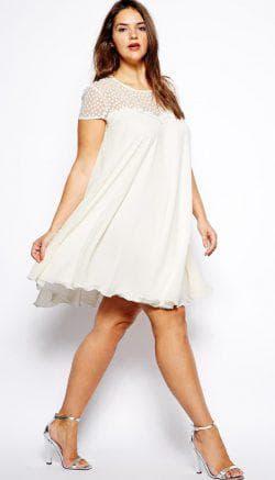 белое платье а силуэта для полных