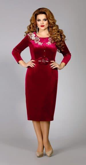 однотонное вечернее платье из велюра