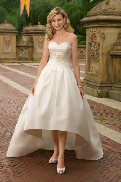 ассиметричное свадебное платье миди