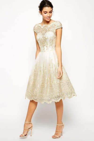 свадебное платье миди из кружева