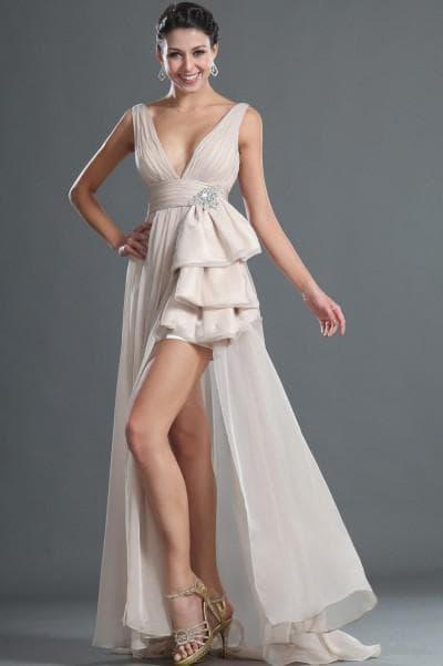 асимметричные свадебные платья с цельнокроеным шлейфом