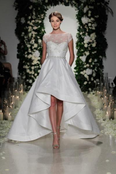 ассиметричное платье от Anna Barge
