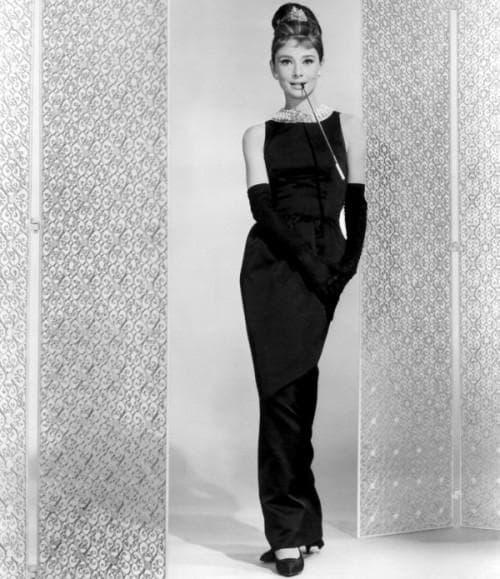 длинное чёрное платье в пол в стиле одри хепберн