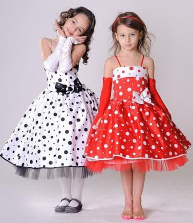 красное платье с бретельками в белый горошек для девочки