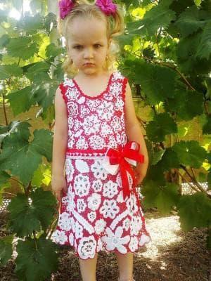 детское платье из ирландского кружева от Lee Cooper