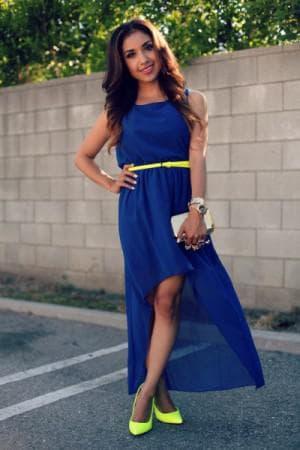 синее платье с жёлтым