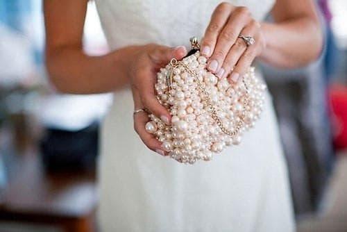 клатч для платья белого цвета