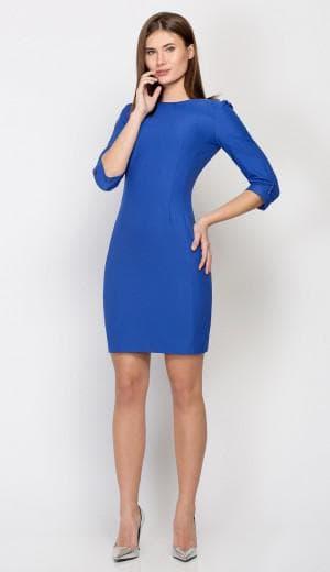 синее приталенное платье