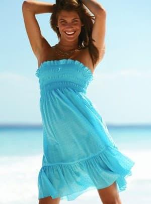 сарафан с открытыми плечами на резинке для пляжа