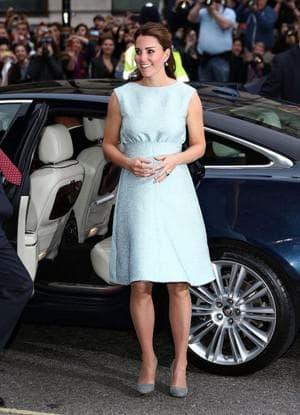 летнее платье для беременных от Кейт Миддлтон