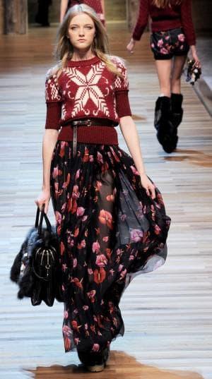 итальянское платье в бордовых тонах от модельера Tommy Hilfiger из натурального шелка